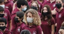 """中国家长庆祝""""神兽回笼"""",美国家长无奈学校成抗疫""""政治战场"""""""